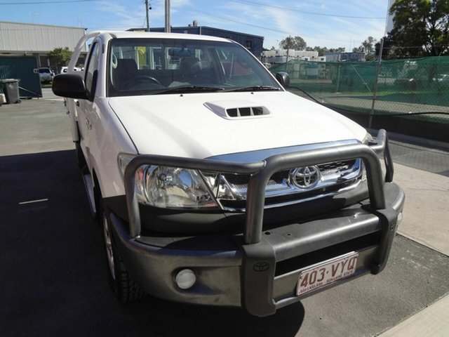 Used Toyota Hilux KUN26R MY11 Upgrade SR (4x4), 2011 Toyota Hilux KUN26R MY11 Upgrade SR (4x4) White 5 Speed Manual Cab Chassis