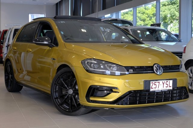 Demo Volkswagen Golf 7.5 MY19 R DSG 4MOTION Special Edition, 2018 Volkswagen Golf 7.5 MY19 R DSG 4MOTION Special Edition Turmeric Yellow 7 Speed