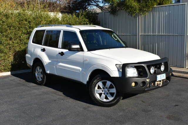 Used Mitsubishi Pajero NT MY10 GLX, 2009 Mitsubishi Pajero NT MY10 GLX White 5 Speed Manual Wagon