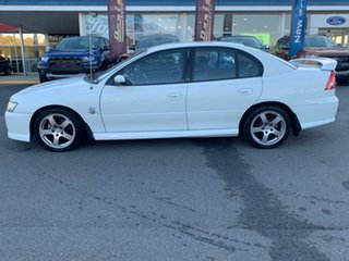 2004 Holden Commodore VZ SV6 White 5 Speed Sports Automatic Sedan.