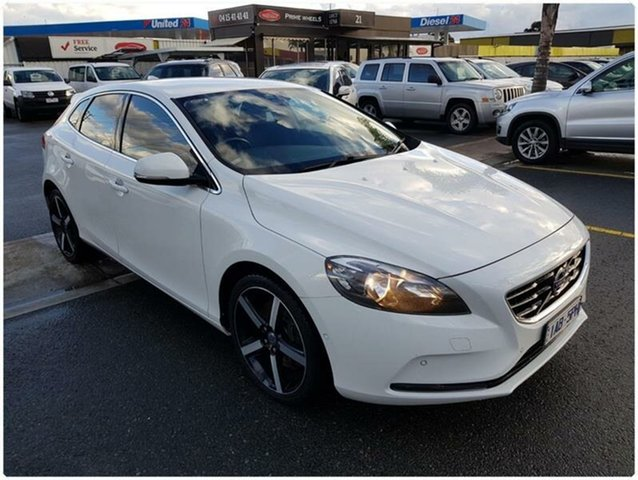 Used Volvo V40 M Series D4 Kinetic, 2013 Volvo V40 M Series D4 Kinetic White Sports Automatic Hatchback