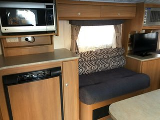 2009 Jayco Discovery SINGLE BEDS annex Pop Top