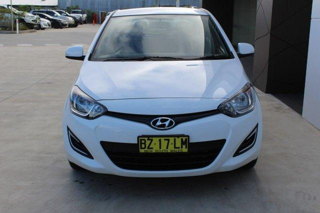 Used Hyundai i20 PB MY15 Active, 2014 Hyundai i20 PB MY15 Active White 6 Speed Manual Hatchback