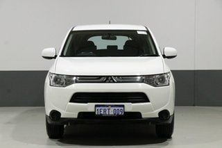 2013 Mitsubishi Outlander ZJ ES (4x4) White Continuous Variable Wagon.