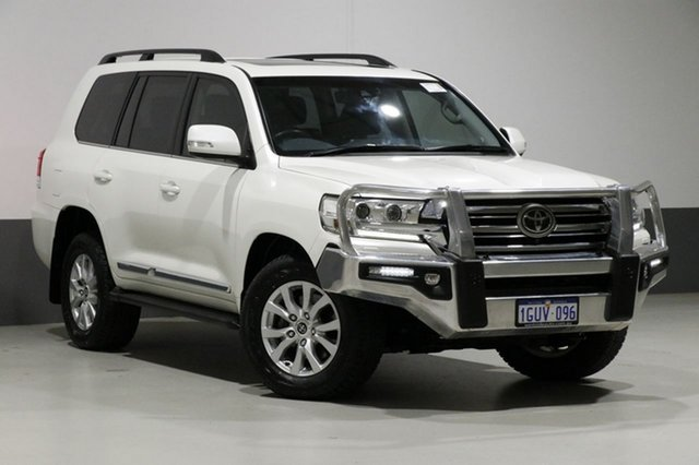 Used Toyota Landcruiser VDJ200R MY16 Sahara (4x4), 2016 Toyota Landcruiser VDJ200R MY16 Sahara (4x4) Pearl White 6 Speed Automatic Wagon