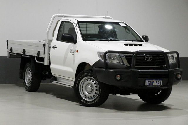 Used Toyota Hilux KUN26R MY14 SR (4x4), 2014 Toyota Hilux KUN26R MY14 SR (4x4) White 5 Speed Manual Cab Chassis
