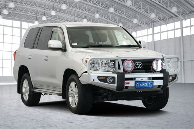 Used Toyota Landcruiser VDJ200R MY13 Altitude, 2014 Toyota Landcruiser VDJ200R MY13 Altitude Silver 6 Speed Sports Automatic Wagon