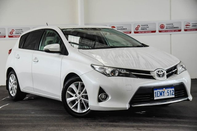 Used Toyota Corolla ZRE182R Ascent Sport, 2014 Toyota Corolla ZRE182R Ascent Sport Crystal Pearl 6 Speed Manual Hatchback