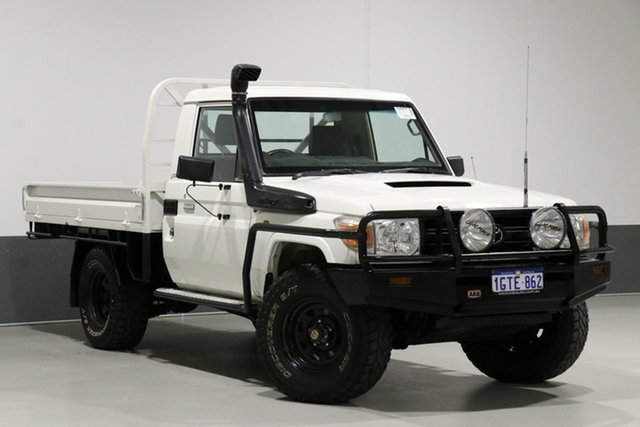 Used Toyota Landcruiser VDJ79R 09 Upgrade Workmate (4x4), 2010 Toyota Landcruiser VDJ79R 09 Upgrade Workmate (4x4) White 5 Speed Manual Cab Chassis