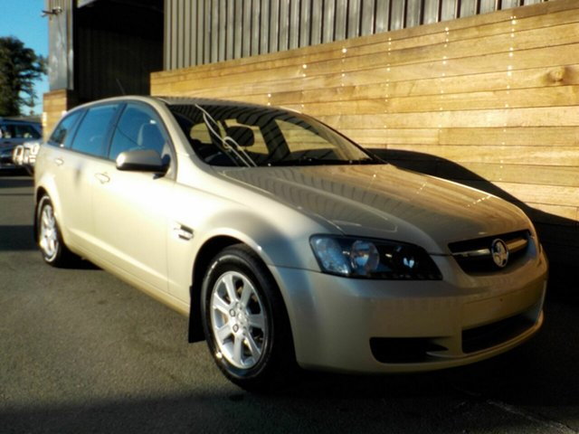 Used Holden Commodore VE MY09 Omega Sportwagon, 2008 Holden Commodore VE MY09 Omega Sportwagon Gold 4 Speed Automatic Wagon