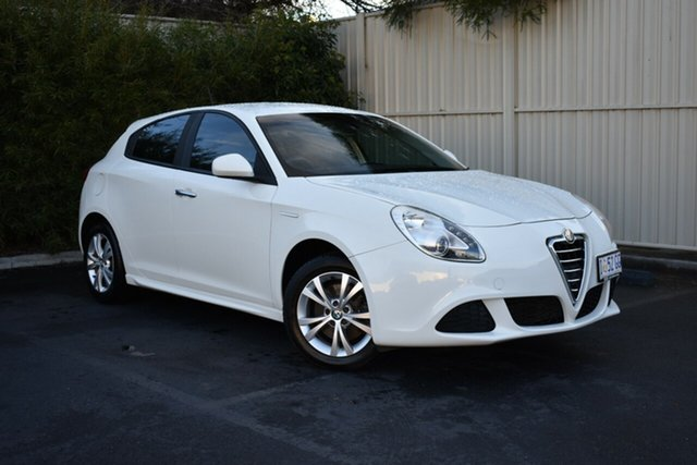 Used Alfa Romeo Giulietta Series 1 Progression, 2014 Alfa Romeo Giulietta Series 1 Progression White 6 Speed Manual Hatchback