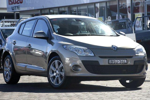 Used Renault Megane III B32 Privilege, 2010 Renault Megane III B32 Privilege Gold 6 Speed Constant Variable Hatchback