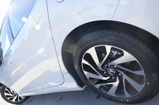 2019 Honda Civic 10th Gen MY19 VTi-S Platinum White 1 Speed Constant Variable Hatchback.