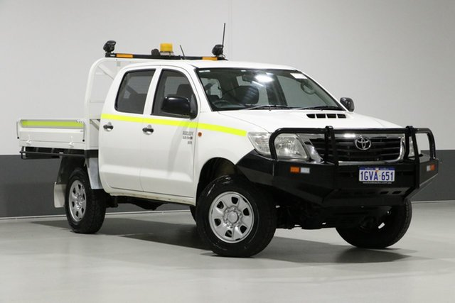 Used Toyota Hilux KUN26R MY12 SR (4x4), 2013 Toyota Hilux KUN26R MY12 SR (4x4) White 5 Speed Manual Dual Cab Chassis