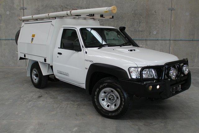 Used Nissan Patrol Y61 Series 4 MY14 DX, 2014 Nissan Patrol Y61 Series 4 MY14 DX White 5 Speed Manual Cab Chassis