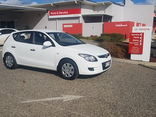 2011 Hyundai i30 FD MY11 SX 1.6 CRDi White 5 Speed Manual Hatchback.