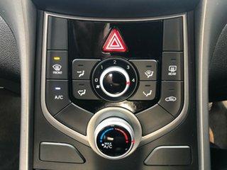 2014 Hyundai Elantra MD3 Active Brilliant Red 6 Speed Manual Sedan