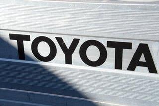 2015 Toyota Hilux GUN123R SR 4x2 Glacier White 5 Speed Manual Cab Chassis
