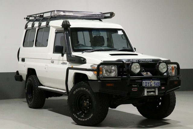 Used Toyota Landcruiser VDJ78R 09 Upgrade Workmate (4x4) 11 Seat, 2009 Toyota Landcruiser VDJ78R 09 Upgrade Workmate (4x4) 11 Seat White 5 Speed Manual TroopCarrier