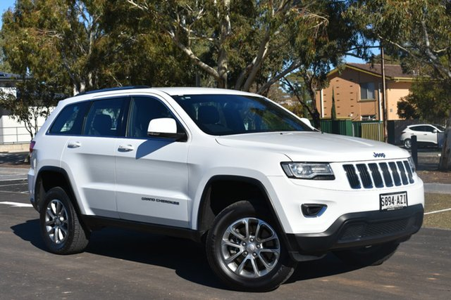 Used Jeep Grand Cherokee WK MY2013 Laredo, 2013 Jeep Grand Cherokee WK MY2013 Laredo Bright White 5 Speed Sports Automatic Wagon