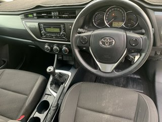 2013 Toyota Corolla ZRE182R Ascent Glacier White 6 Speed Manual Hatchback.