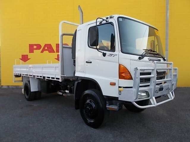 Used Hino GT  , 2006 Hino GT White Cab Chassis