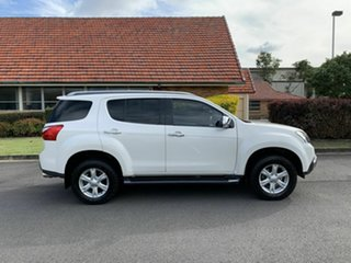 2015 Isuzu MU-X LS-T White 5 Speed Automatic Wagon.