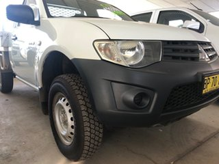2013 Mitsubishi Triton MN MY12 GLX White 5 Speed Manual Utility.