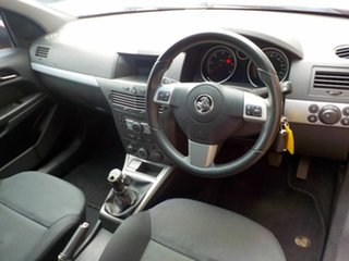 2007 Holden Astra AH MY07 CDTi Red 6 Speed Manual Hatchback
