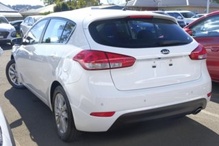 2014 Kia Cerato YD MY14 SI White 6 Speed Sports Automatic Hatchback.
