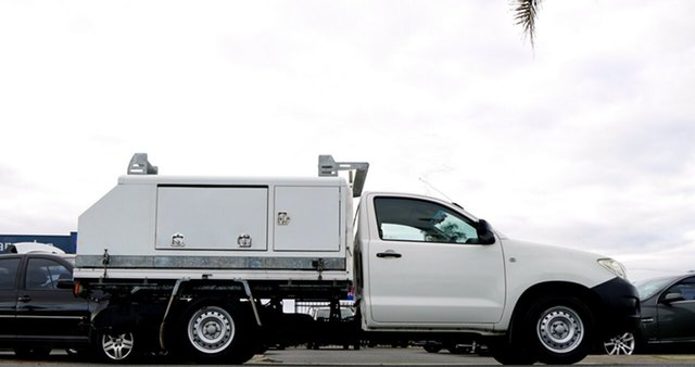 Used Toyota Hilux TGN16R MY10 Workmate 4x2, 2010 Toyota Hilux TGN16R MY10 Workmate 4x2 White 5 Speed Manual Cab Chassis