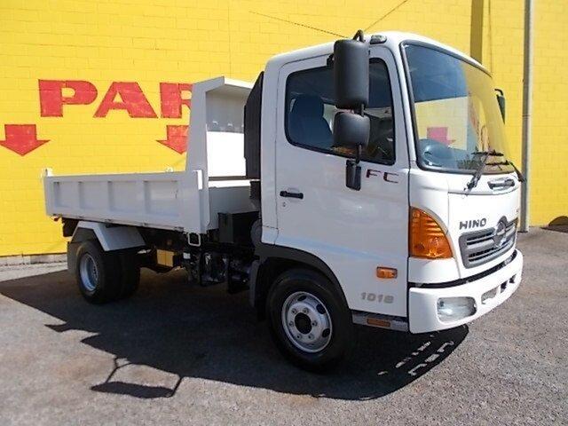 Used Hino FC 500 , 2010 Hino FC 500 1018 4x2 White Tipper