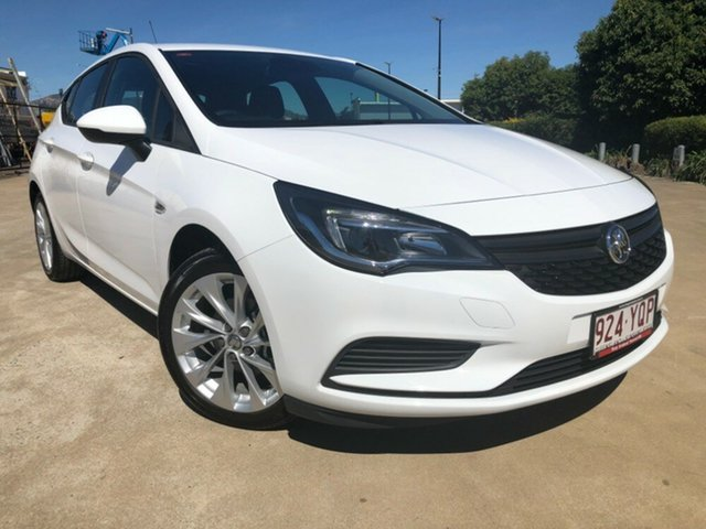 Used Holden Astra BK MY19 R+, 2018 Holden Astra BK MY19 R+ Summit White 6 Speed Sports Automatic Hatchback