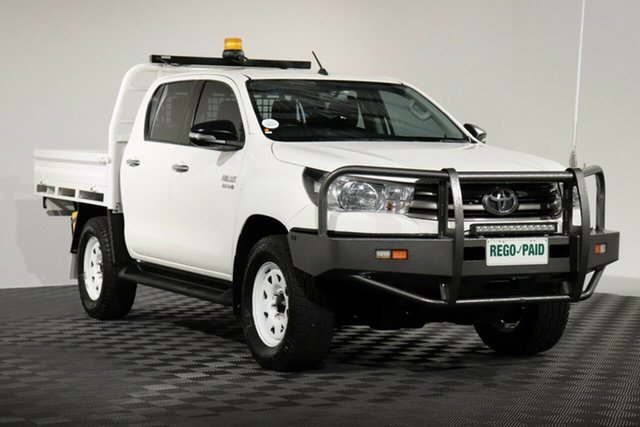 Used Toyota Hilux GUN126R SR Double Cab, 2015 Toyota Hilux GUN126R SR Double Cab Glacier 6 Speed Manual Cab Chassis
