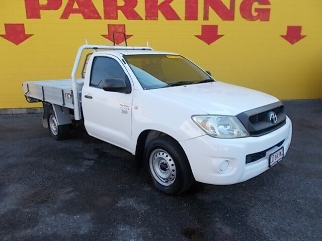 Used Toyota Hilux TGN16R MY08 Workmate 4x2, 2008 Toyota Hilux TGN16R MY08 Workmate 4x2 White 5 Speed Manual Cab Chassis