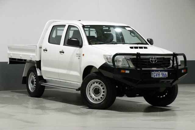 Used Toyota Hilux KUN26R MY12 SR (4x4), 2012 Toyota Hilux KUN26R MY12 SR (4x4) White 5 Speed Manual Dual Cab Chassis