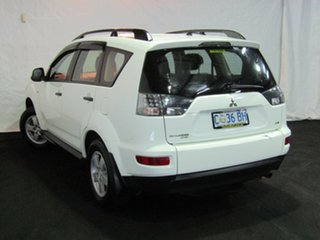 2010 Mitsubishi Outlander ZH MY10 LS White 6 Speed Constant Variable Wagon.