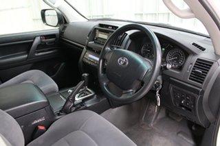 2017 Toyota Landcruiser VDJ200R GX White 6 Speed Sports Automatic Wagon.