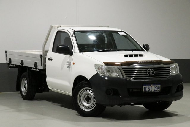 Used Toyota Hilux GUN122R Workmate, 2015 Toyota Hilux GUN122R Workmate White 5 Speed Manual Cab Chassis