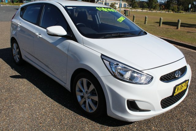 Used Hyundai Accent RB6 MY18 Sport, 2017 Hyundai Accent RB6 MY18 Sport Chalk White 6 Speed Sports Automatic Hatchback
