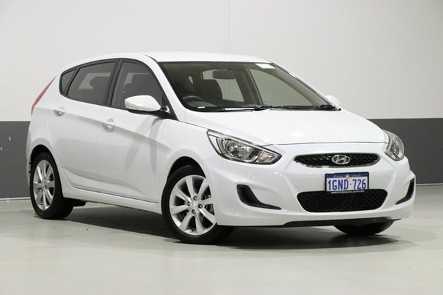 Used Hyundai Accent RB6 MY18 Sport, 2018 Hyundai Accent RB6 MY18 Sport White 6 Speed Automatic Hatchback