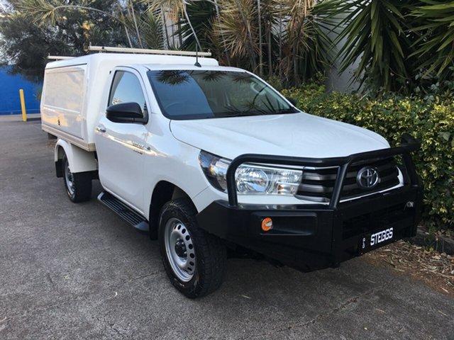 Used Toyota Hilux GUN126R SR (4x4), 2015 Toyota Hilux GUN126R SR (4x4) White 6 Speed Manual Cab Chassis