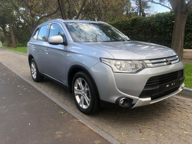 Used Mitsubishi Outlander ZJ MY14.5 ES 2WD, 2014 Mitsubishi Outlander ZJ MY14.5 ES 2WD Silver 6 Speed Constant Variable Wagon