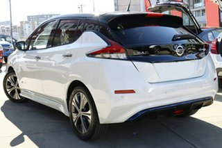 2020 Nissan Leaf ZE1 Ivory Pearl & Black Roof 1 Speed Reduction Gear Hatchback.
