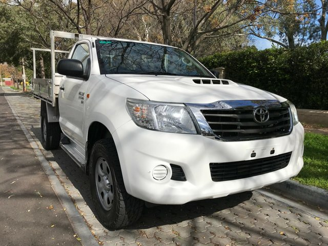 Used Toyota Hilux KUN26R MY12 SR, 2012 Toyota Hilux KUN26R MY12 SR White 5 Speed Manual Cab Chassis