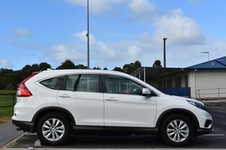 2016 Honda CR-V RM Series II MY17 VTi White 5 Speed Automatic Wagon.