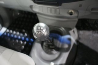 2005 Toyota Hilux KUN16R MY05 SR 4x2 Dusty Grey/grey 5 Speed Manual Cab Chassis