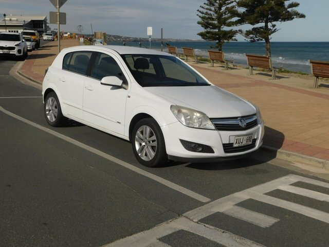 Used Holden Astra AH MY07 CDX, 2007 Holden Astra AH MY07 CDX White 4 Speed Automatic Hatchback