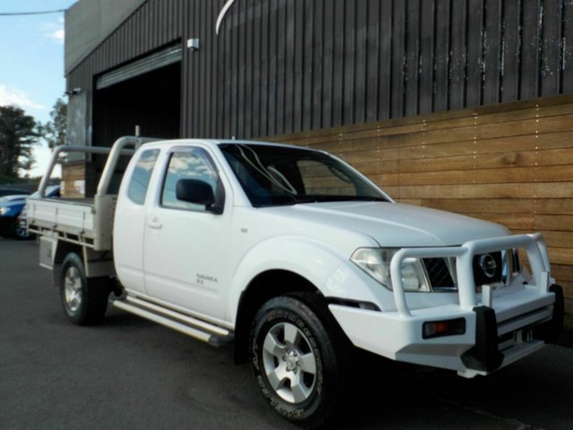 Used Nissan Navara D40 RX King Cab, 2009 Nissan Navara D40 RX King Cab White 5 Speed Automatic Cab Chassis