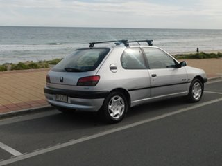 1999 Peugeot 306 N5 Style Silver 5 Speed Manual Hatchback.